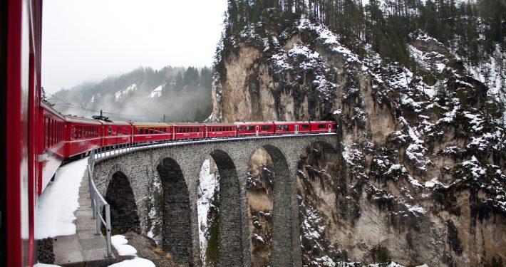 Bernina train St Moritz - Skipodium
